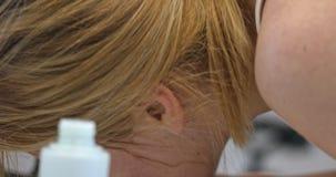 清洗的面孔皮肤 影视素材