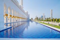 清真寺回教族长扎耶德Grand Mosque,迪拜、阿拉伯联合酋长国、人和 2015年 库存照片