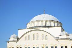 清真寺圆顶在伊斯坦布尔 免版税图库摄影