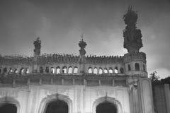 清真寺的反射在水中 库存照片