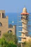清真寺的老贾法角塔的以色列脚手架的 免版税图库摄影