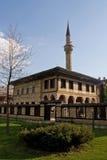 清真寺老无背长椅 库存图片