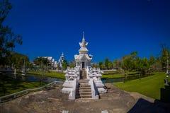 清莱,泰国- 2018年2月01日:位于清莱的美丽的华丽白色寺庙室内看法北 免版税图库摄影