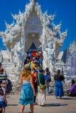 清莱,泰国- 2018年2月01日:走在白色输入的美好的室外观点的未认出的人民  图库摄影