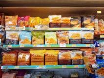 清莱,泰国- 11月25 :三明治各种各样的品牌  库存照片