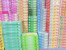 清莱,泰国- 11月25 :五颜六色的mo各种各样的品牌  免版税库存照片
