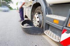 清莱,泰国- 9月27 :特写镜头损坏了18轮车 库存图片