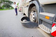 清莱,泰国- 9月27 :特写镜头损坏了18轮车 库存照片
