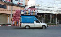 清莱,泰国- 11月22 :运载plas的轻型货车 图库摄影