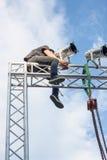 清迈泰国- 8月09日:安装光的电工对锂 库存照片