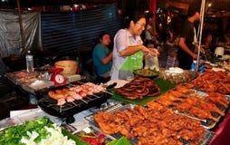 清迈,泰国: 节日的食物卖主 免版税库存照片