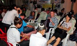 清迈,泰国: 获得英尺按摩的人们 免版税库存图片