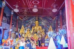 清迈,泰国- 2017年5月3日:游人崇拜和 免版税库存照片