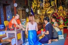 清迈,泰国- 2017年5月3日:游人崇拜和 库存图片