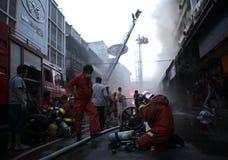 清迈,泰国6月05日:火在织品商店-着火我 免版税库存图片