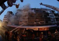 清迈,泰国6月05日:火在织品商店-着火我 库存图片