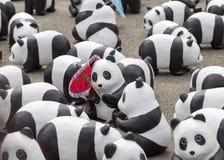 清迈,泰国2016年3月19日:熊猫由前的WWF的世界游览 免版税库存图片
