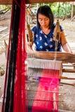 清迈,泰国- 11月17 :未认出的泰国妇女wea 库存图片