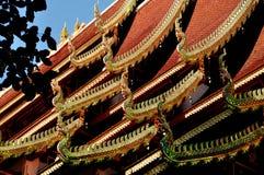 清迈, TH : 在Wat Ku陶的寺庙屋顶 免版税库存图片