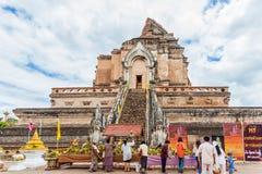清迈THAILAND-JUNE 9 :花Inthakhin传统奉献物。 免版税库存照片