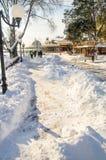 清除在保加利亚语波摩莱的步行街道,冬天2017年 图库摄影