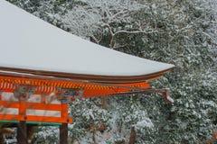 清水寺寺庙的红色塔 免版税图库摄影
