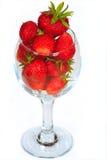 清洗新鲜的玻璃草莓 免版税库存图片