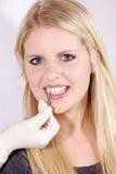 清洗牙齿 库存照片