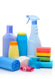 清洁物品、海绵、清洁粉末和垃圾袋 免版税库存图片