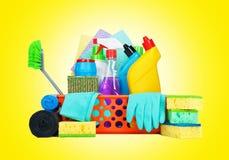 清洁物品品种在篮子的 图库摄影