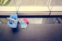 清洗玻璃工具 免版税库存照片