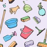 清洁用工具加工剪影 与手拉的动画片象的无缝的样式-桶,海绵,拖把,手套,浪花,刷子 库存照片