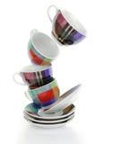 清洗空的五颜六色的板材和杯子 免版税图库摄影