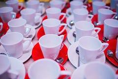 清洗茶会的盘 库存照片