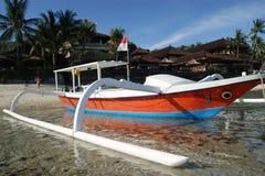 渔三船体游艇在巴厘岛,印度尼西亚 免版税库存照片