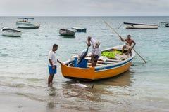渔夫在毛里求斯 免版税库存照片