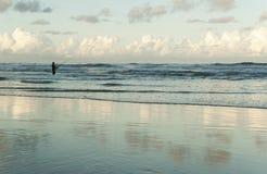 渔夫在海 库存照片