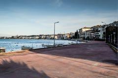 渔夫在老小游艇船坞-土耳其保护 免版税库存图片
