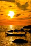 渔夫小船在晚上 库存图片