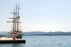 渔夫小船在港口 图库摄影