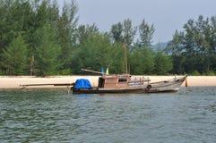 渔夫小船 免版税库存图片