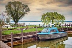 渔夫村庄在妇女s海岛, Chiemsee湖 免版税库存照片
