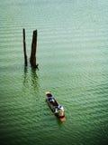 渔夫桨在河 库存图片