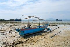 渔夫的小船 免版税库存照片