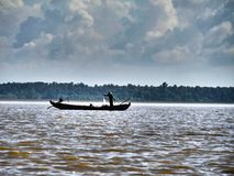渔夫Thandwin河 免版税库存图片