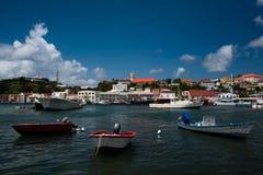 渔小船被停泊在倾船 免版税库存图片