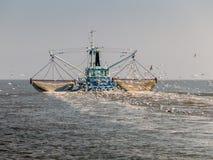 渔拖网渔船,荷兰 免版税库存照片
