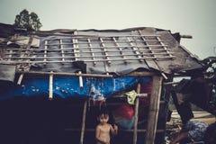 渔村使用的孩子 图库摄影