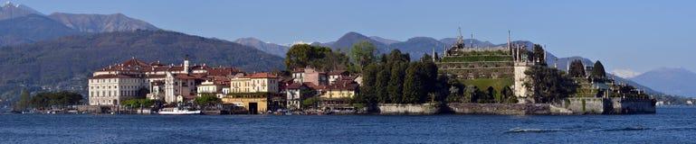 渔村在马焦雷湖的Isola dei Pescatori 免版税库存照片