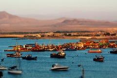渔村破火山口,阿塔卡马智利 库存图片